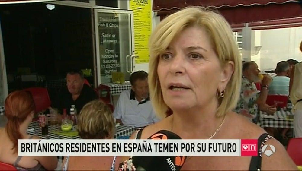 """Frame 66.45551 de: La incertidumbre se instala en los 400.000 británicos que viven en España: """"Estoy pensando en solicitar la nacionalidad"""""""