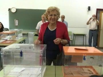Frame 18.106052 de: Los colegios electorales abren sus puertas a más de 36,5 millones de votantes