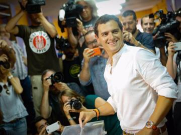 Albert Rivera deposita su voto