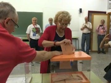 """Frame 12.244518 de: Carmena expresa su deseo de que vote """"mucha gente"""" y haya gobierno """"pronto"""""""
