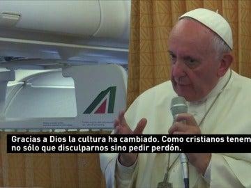 Frame 5.262396 de: Para el Papa Francisco, la iglesia debería buscar el perdón de los homosexuales