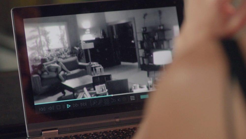 ¿Ha descubierto Luis los vídeos sexuales de Claudia y Carlos?