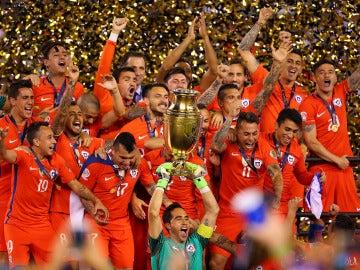 Chile levanta su segunda Copa América