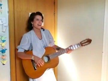 Adriana Torrebejano disfruta del verano