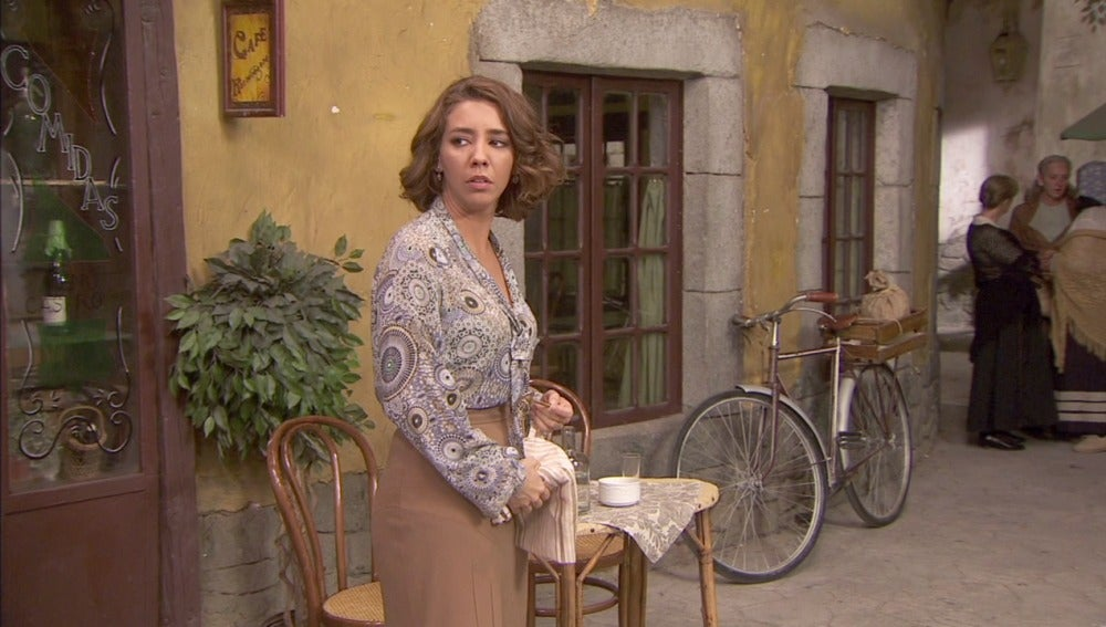 Emilia consigue la llave de la Casona