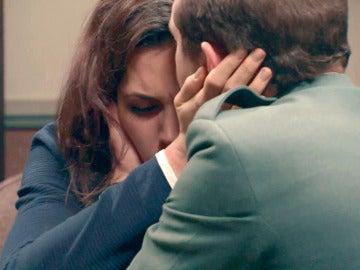 """Ojalá no me tuviera que separar nunca de ti"""