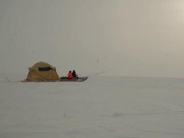 """Frame 15.397244 de: El trineo del viento finaliza con éxito """"Cumbre del Hielo Groenlandia 2016"""" con un convoy científico eólico"""
