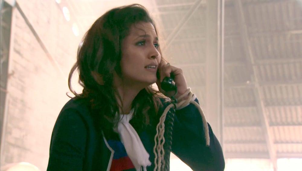 Sofía consigue llamar para pedir su rescate