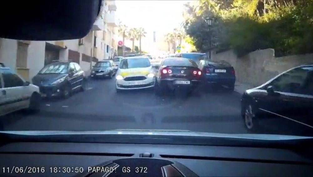 Frame 25.922066 de: Persecución de película por las calles de San Roque