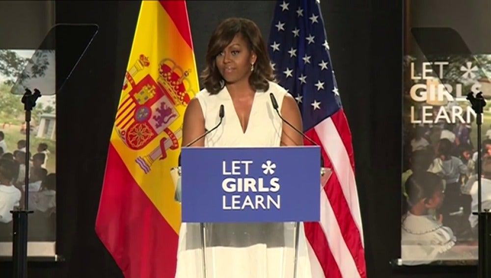 Frame 13.763802 de:  Michelle Obama presenta en España su proyecto por la educación infantil junto a la Reina Letizia