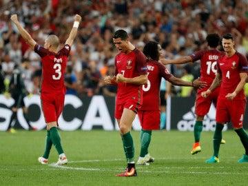 Los jugadores de Portugal celebran el pase a semifinales