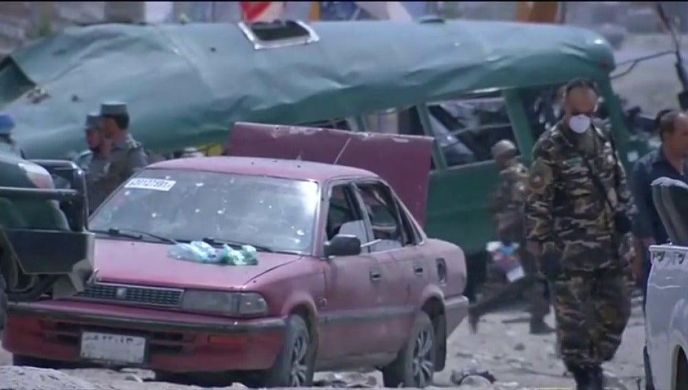 Frame 11.865439 de: Al menos 38 muertos en un doble atentado suicida en Kabul
