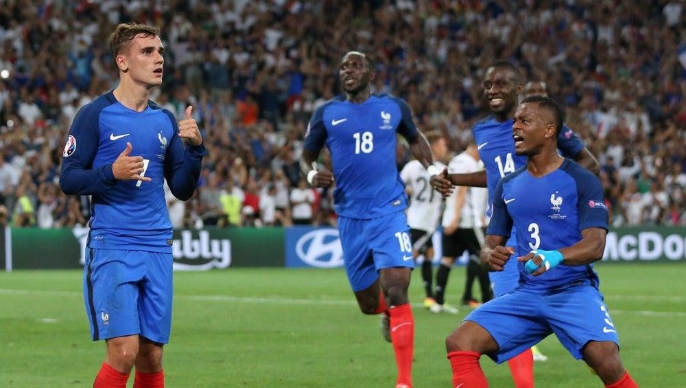 Griezmann bailando en la celebración de su gol