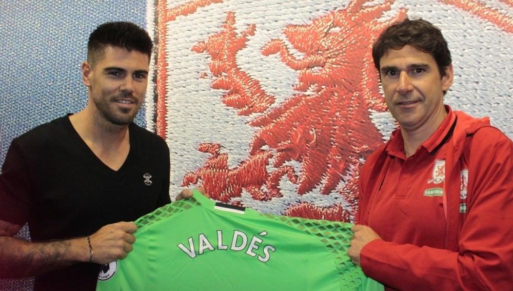 Valdés, presentado en el 'Boro' junto a Karanka