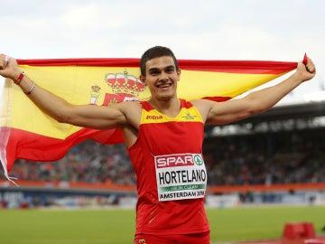 Hortelano, con la bandera de España