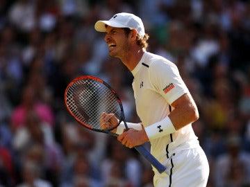 Andy Murray festejando con rabia su pase a la final de Wimbledon