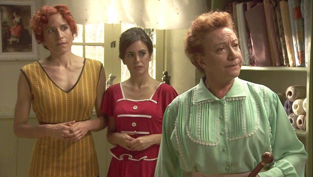 ¡Así es como Dolores enseña a desfilar!