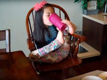 Sophie muestra una gran destreza en todas las actividades del día a día.