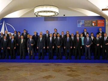 Los líderes de la OTAN acuerdan mantener a unos 12.000 militares en Afganistán en 2017