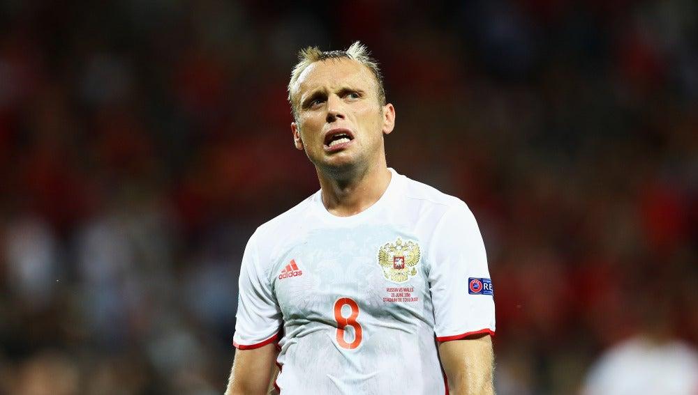 Un jugador de Rusia, cabizbajo en la Euro