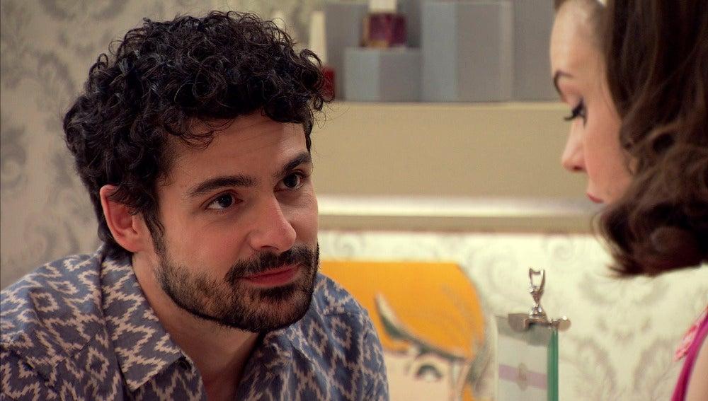 María invita a merendar a Andrés