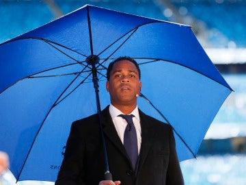 Kluivert, con un paraguas