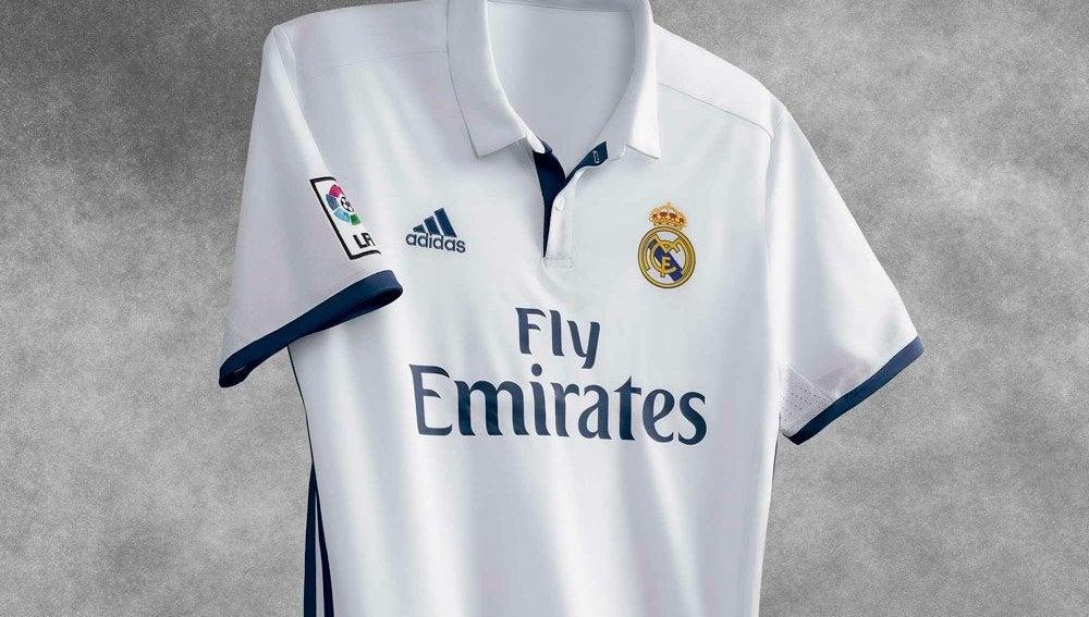 La primera equipación del Real Madrid para la temporada 2016/2017