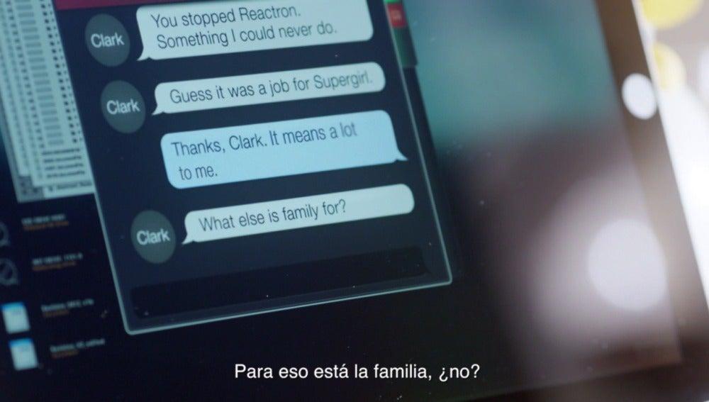 Kara habla con Clark