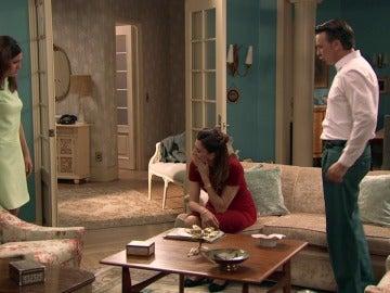 Adela se niega a aceptar la grave situación de Sofía