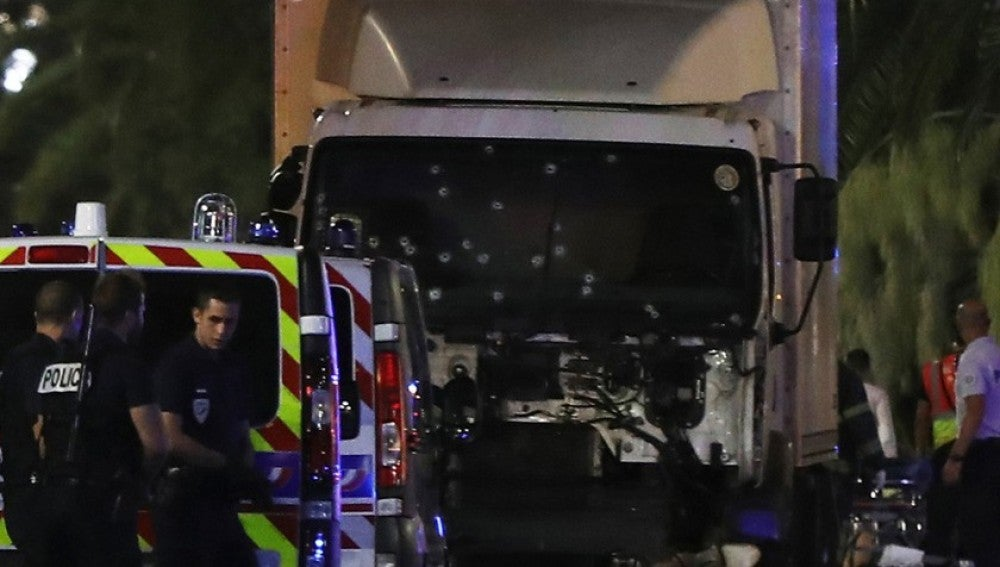 Camión del terrorista responsable del atentado en Niza