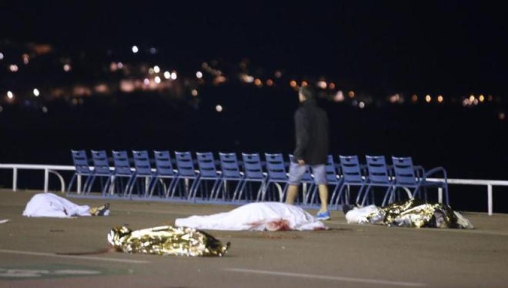 Primeras imágenes del ataque terrorista en Niza