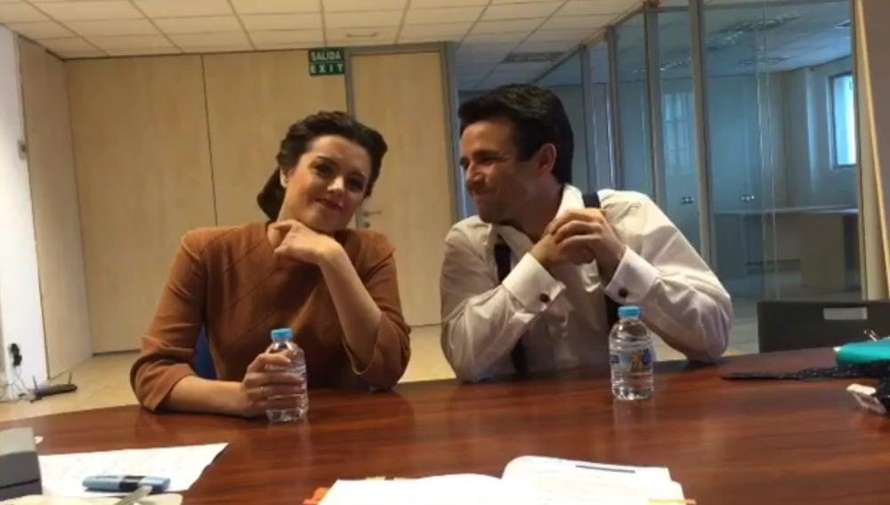 """Los actores de 'El secreto de Puente Viejo' se """"vuelve locos"""" por protagonizar los divertidos vídeos de Adriana Torrebejano y Raúl Peña"""