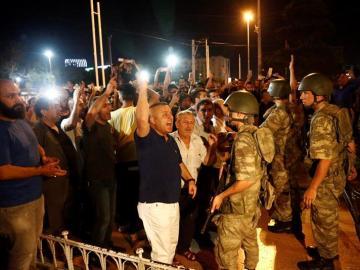 Protestas en Turquía contra el golpe de Estado