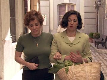 Maruxa cuenta a Benigna que siguió a Lorente