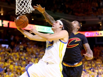 Varejao en la final de la NBA con los Warriors