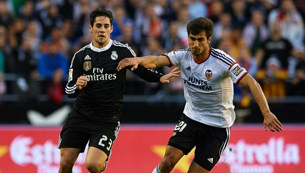 André Gomes contra el Real Madrid