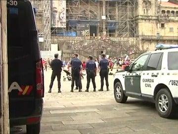 Frame 16.493322 de: Santiago de Compostela blindado por las fuerzas de seguridad