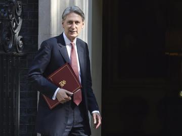 El ministro británico de Economía Philip Hammond