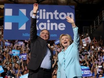 Hillary Clinton y Tim Kaine