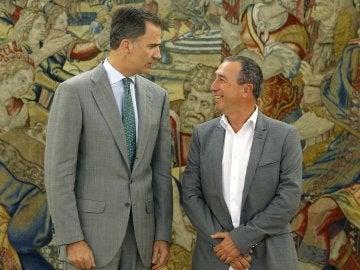 El Rey Felipe VI junto a Joan Baldoví