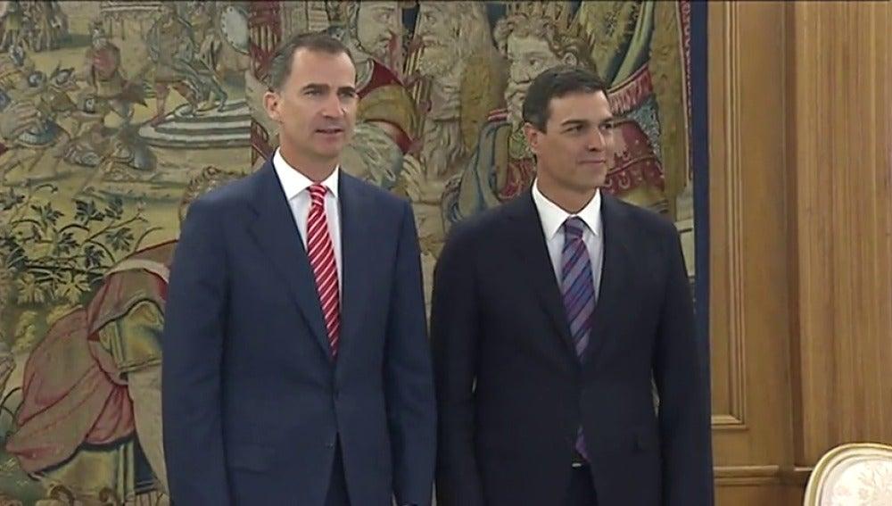 """Frame 17.679201 de: Sánchez insistirá ante el Rey en que Rajoy """"tiene la responsabilidad"""""""