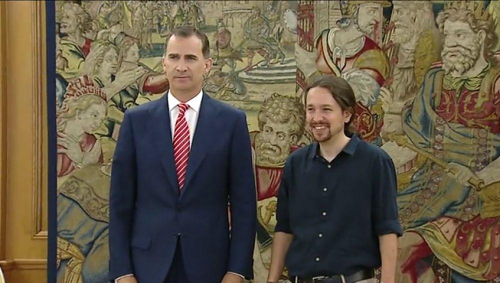 Frame 23.802054 de: Pablo Iglesias expone al Rey su análisis de la situación política