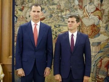 El rey Felipe VI y Albert Rivera