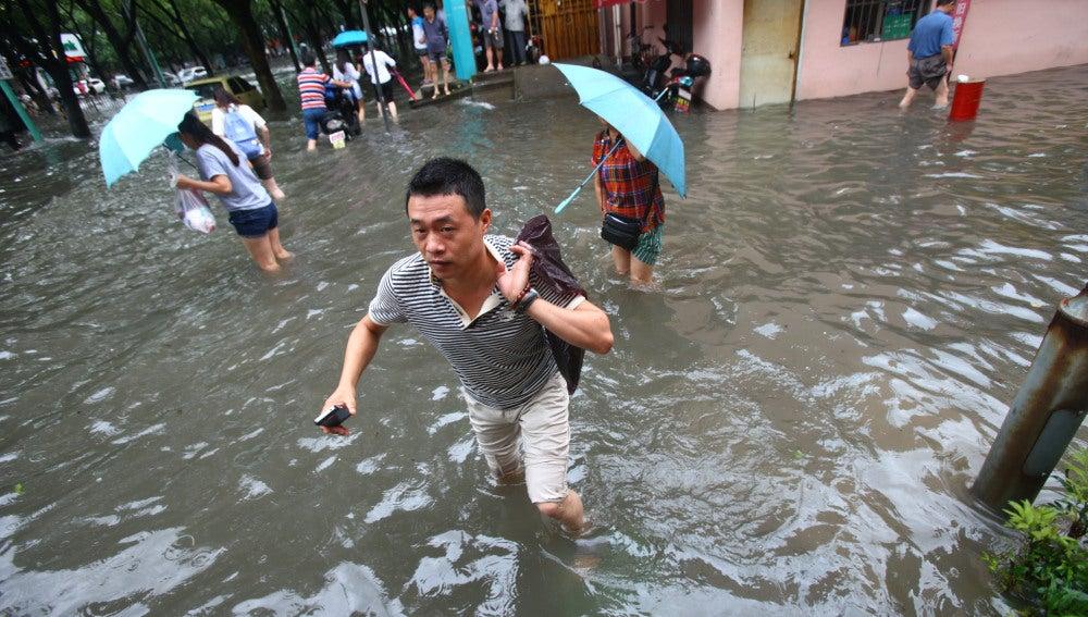 El tifón Nida paraliza el sur de China