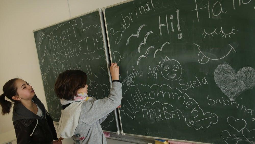 Colegios españoles retiran las pizarras de tiza