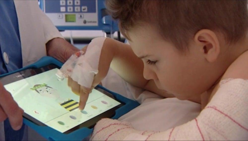 Frame 0.0 de: El Hospital infantil Niño Jesús utiliza una APP para medir el dolor de los niños
