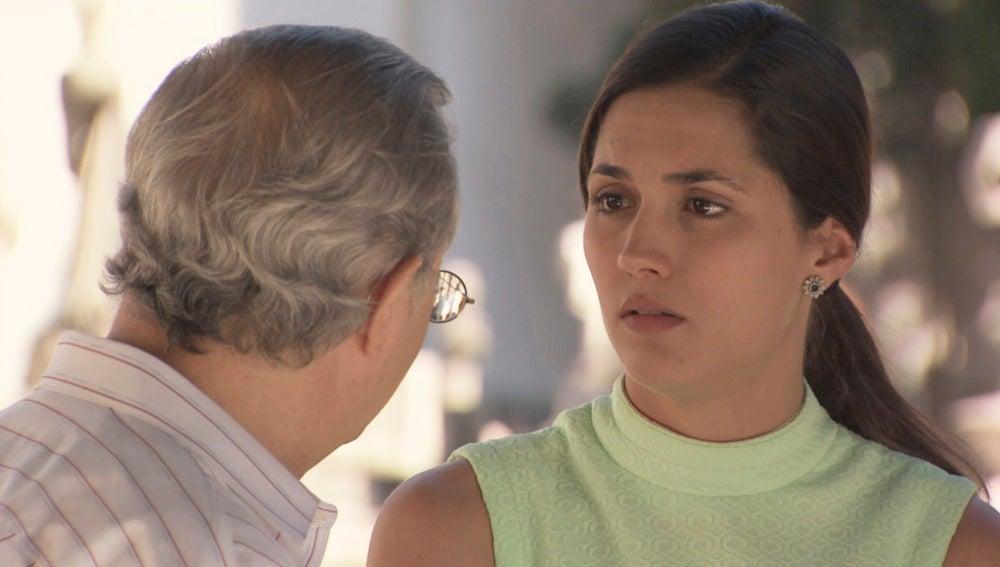 Sofía y Pelayo visitan a Julia