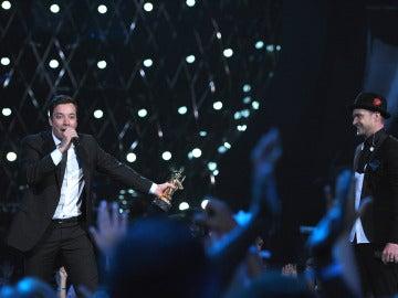Jimmy Fallon junto a Justin Timberlake