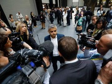 Sadiq Khan, alcalde de londres, en una comparecencia ante los medios