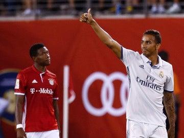 Danilo festeja su tanto ante el Bayern